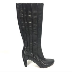 Tsubo Leather Knee Boots Rubber Sole 9